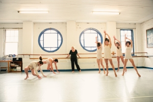 Deirdre Tarrant  teaching in the studio. Photo c/o FishHead