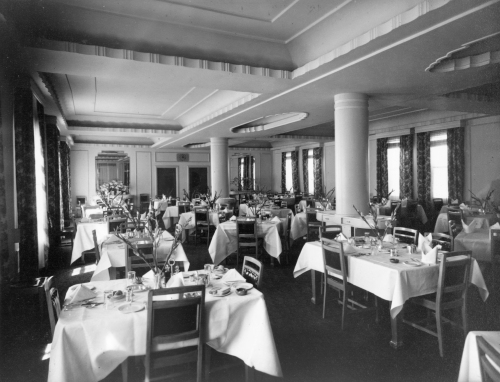 Royal Oak Dinning room